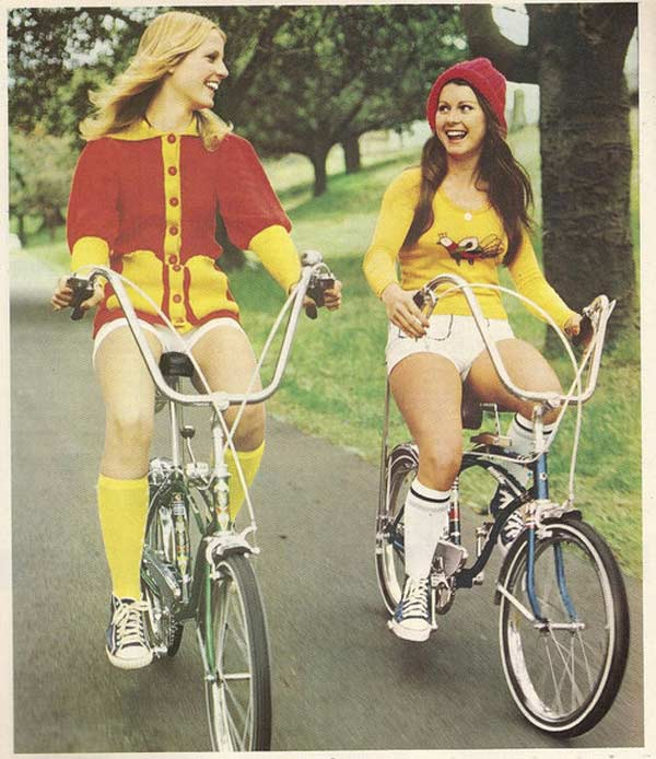 1970s-girls-on-bikes